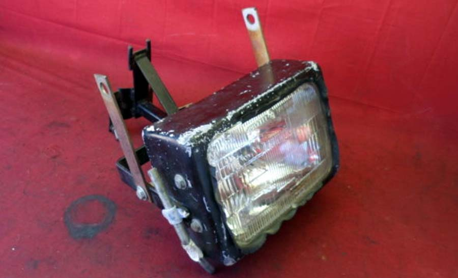 84 85 Yamaha RD350 RD 350 Front Headlight & Stay Bracket Non US Model a270